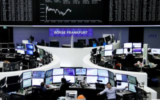 Ο δείκτης Ftse Mib του Μιλάνου έκλεισε με κέρδη 0,24%, ενώ με άνοδο 0,19% και 0,18%, αντιστοίχως, έκλεισαν οι δείκτες Xetra Dax της Φρανκφούρτης και Cac 40 του Παρισιού.