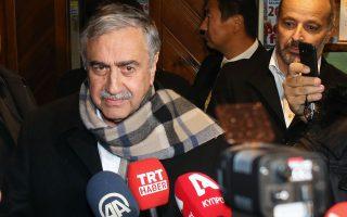 Ο Τουρκοκύπριος ηγέτης Μουσταφά Ακιντζί είπε ότι «δεν υπάρχει ανάγκη για συμμετοχή των πέντε κρατών - μόνιμων μελών του Συμβουλίου Ασφαλείας του ΟΗΕ» στη διάσκεψη της Γενεύης.