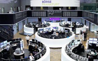Το Χρηματιστήριο του Λονδίνου έκλεισε με κέρδη 0,54%. Με πτώση 0,78% και 0,34% έκλεισαν οι δείκτες Ftse Mib του Μιλάνου και Ibex 35 της Μαδρίτης και σχεδόν αμετάβλητος με -0,01% ο Cac 40 της Γαλλίας.