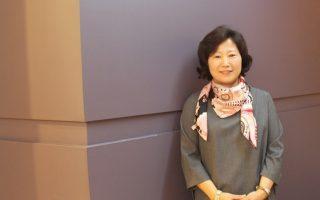 Το μυστικό της επιτυχίας της Sun-mi Hwang είναι ότι τα βιβλία της ισορροπούν ανάμεσα στο παιδικό παραμύθι και το μυθιστόρημα για ενήλικες.
