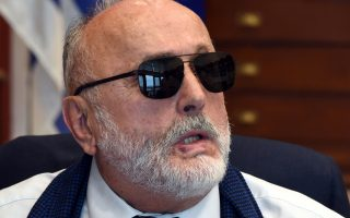 «Προσδοκώ από τον εφοπλισμό συγκεκριμένες επενδυτικές πρωτοβουλίες, όπως π.χ. η χρησιμοποίηση στα υπό κατασκευή νέα ελληνόκτητα πλοία, σε Κίνα, Ιαπωνία και Κορέα, εξαρτημάτων από ελληνικά εργοστάσια», λέει ο υπουργός Ναυτιλίας Παναγιώτης Κουρουμπλής.