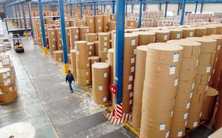 Logistics μπορούν να χαρακτηριστούν οι λειτουργίες εκείνες που κάνει μια επιχείρηση ώστε να έχει διαθέσιμα σε κατάλληλο χρόνο και ποσότητα τα αγαθά εκείνα που της χρειάζονται για την παραγωγή της.
