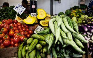 Σε χώρες που η Κοινωνικά Υποστηριζόμενη Γεωργία είναι ανεπτυγμένη, ο πελάτης προπληρώνει για να καλλιεργήσει ο αγρότης και να γεμίσει το «καλάθι» με τα προϊόντα.