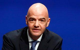 Ο πρόεδρος της FIFA, Τζάνι Ινφαντίνο, υλοποίησε μια προεκλογική υπόσχεσή του. Και οι αντιδράσεις άρχισαν.