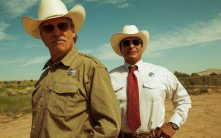 Ο Τεξανός ρέιντζερ Μάρκους (Τζεφ Μπρίτζες) και ο Αλμπέρτο (Τζιλ Μπίρμιγχαμ), ο Κομάντσι βοηθός του, ένα αταίριαστο ζευγάρι στο «Πάση θυσία».