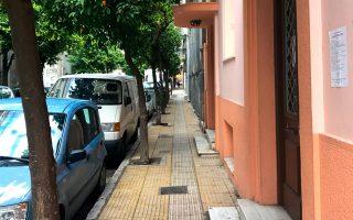 Αθηναϊκή ατμόσφαιρα στην οδό Επτανήσου στην Κυψέλη.
