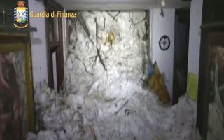 italia-amp-8211-chionostivada-tesseris-nekroi-echoyn-anasyrthei-svinoyn-oi-elpides-gia-epizontes-2170789