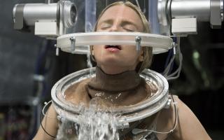 Η Μπριτ Μάρλινγκ, πρωταγωνίστρια και συνδημιουργός της τηλεοπτικής σειράς «The OA», της μεγάλης φετινής επιτυχίας του Netflix.