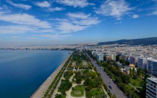 Η παραλία της Θεσσαλονίκης με τους νέους κήπους της - Φωτογραφία: Σάκης Γιούμπασης.