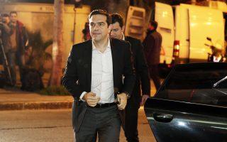 Ο Αλ. Τσίπρας προσέρχεται στα γραφεία της Κουμουνδούρου για τη συνεδρίαση της Πολιτικής Γραμματείας του ΣΥΡΙΖΑ.