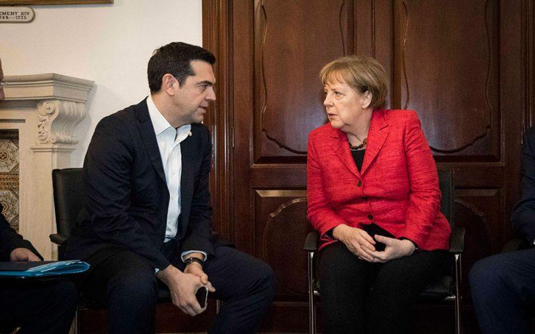 merkel-se-tsipra-vreite-ta-me-toys-thesmoys-2173504