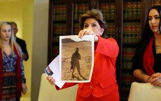 Η εισαγγελέας Γκλόρια Ολρεντ δείχνει φωτογραφία που δημοσιοποιήθηκε χωρίς την άδεια της Μαρίν Ερικα Μπάτνερ στο Facebook.