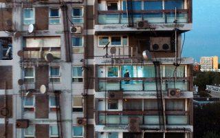 Παραγωγή κριτικών μυθοπλασιών για το μέλλον της Αθήνας έχει στόχο η πρωτοβουλία του αρχιτέκτονα Λίαμ Γιανγκ.