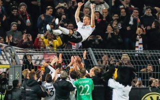 Η Εθνική Γερμανίας αποχαιρέτησε τον 31χρονο επιθετικό της, Λούκας Ποντόλσκι.