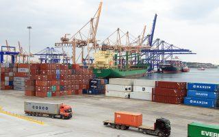 Το 2016 από το λιμάνι του Πειραιά διακινήθηκαν 3,47 εκατ. εμπορευματοκιβώτια, δηλαδή 14,4% περισσότερα σε σχέση με το 2015, όταν είχαν διακινηθεί 3,03 εκατ.