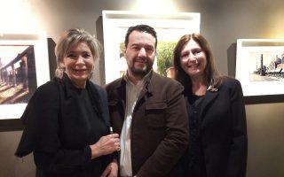 Από αριστερά, η Αννα Μισσιριάν, ο Ανδρέας Γεωργιάδης και η Φανή Μαρία Τσιγκάκου στα εγκαίνια της έκθεσης
