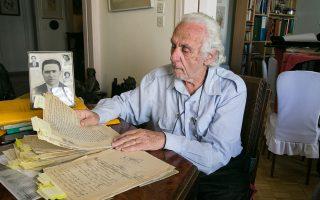 Ο Μάριος Σούσης μελετάει το υλικό και σχεδιάζει να γράψει σχετικό βιβλίο για τη δίκη των καταχραστών που πρόδωσαν την οικογένειά του.