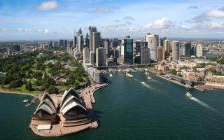 Οι ρυθμοί ανάπτυξης εξακολουθούν να υπερβαίνουν τον μέσον όρο του ΟΟΣΑ και αποτυπώνουν τις επιτυχημένες αλλαγές στην αυστραλιανή οικονομία.