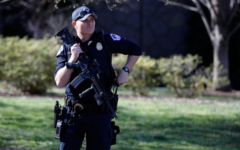Ουάσιγκτον: Ανδρας έπεσε με το αυτοκινητό του σε περιπολικό κοντά στο Καπιτώλιο