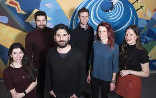 Από αριστερά προς τα δεξιά: Ευγενία Παπαντωνάκη, Δημήτρης Μεσσήνης, Κωνσταντίνος Πιπίνης, Δημήτρης Δημοσιάρης, Κωνσταντίνα Κουλούκη και Χριστίνα Ζάζα. Φωτό: Βαγγέλης Ζαβός