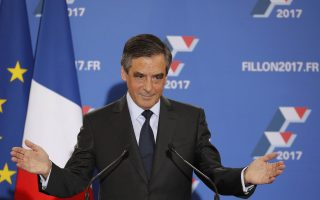 Francois Fillon, former French prime minister and member of Les Republicains political party, delivers his speech after partial results in the second round for the French center-right presidential primary election in Paris, France, November 27, 2016. Fillon, a socially conservative free-marketeer, is to be the presidential candidate of the French centre-right in next year's election, according to partial results of a primaries' second-round vote showed on Sunday.       REUTERS/Philippe Wojazer