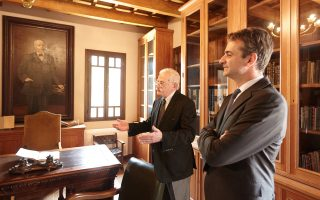 Ο Κυρ. Μητσοτάκης στο Ίδρυμα Ελ. Βενιζέλου από παλαιότερη περιοδεία του στην Κρήτη