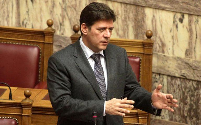 pyra-varvitsioti-i-politiki-moyzala-ekthetei-ti-chora-diethnos-2179166
