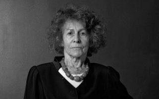 Η Μαρσελίν Λοριντάν-Ιβενς ξεκινά το βιβλίο της με τη φράση: «Αλλά δεν επέστρεψες».