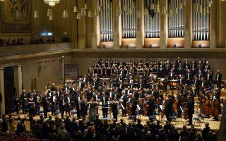 Στιγμιότυπο από τη συναυλία της Κρατικής Ορχήστρας Θεσσαλονίκης υπό τον Γεώργιο Βράνο στο Μόναχο.