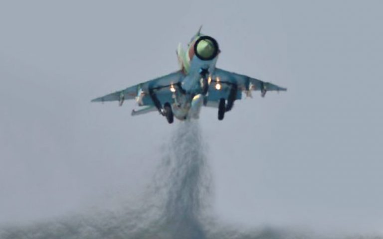 syntrivi-syriakoy-aeroskafoys-mig-21-sta-synora-me-tin-toyrkia-amp-8211-katarripsi-kataggelei-o-pilotos-2178430