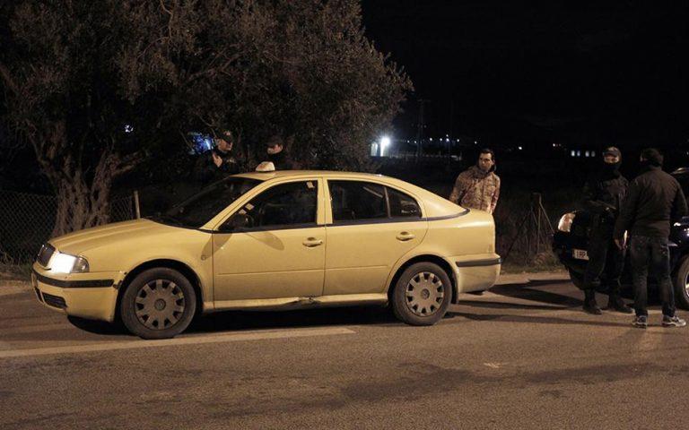 profylakistike-o-astynomikos-poy-katigoreitai-gia-ti-dolofonia-toy-odigoy-taxi-2179790