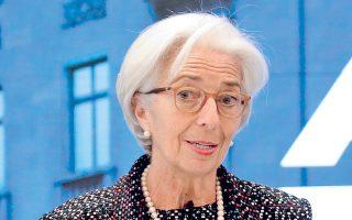 «Δεν ταυτίζομαι με τον Β. Σόιμπλε, ο οποίος λέει ότι η Ελλάδα χρειάζεται αύξηση παραγωγικότητας και όχι ελάφρυνση χρέους. Στο ΔΝΤ θεωρούμε πως χρειάζεται λιγότερο χρέος», ανέφερε η Κριστίν Λαγκάρντ.