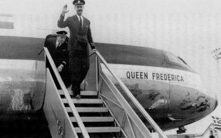 Ανοίγει τα φτερά της η αεροπορική εταιρεία, Ολυμπιακή Αεροπορία (Ο.Α.). Ιδρύεται από τον Αριστοτέλη Ωνάση, ο οποίος εξαγόρασε την κρατική ΤΑΕ (Τεχνικαί Αεροπορικαί Εκμεταλλεύσεις), το 1957.