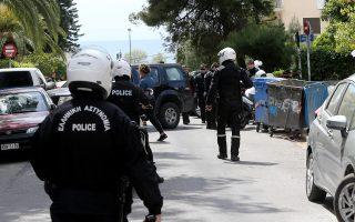 Οι αστυνομικοί διαμαρτύρονται γιατί συλλαμβάνουν κακοποιούς και εκείνοι λόγω του νόμου αφήνονται σύντομα ελεύθεροι.