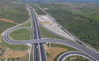 Στο νέο τμήμα που παραδόθηκε περιλαμβάνονται, μεταξύ άλλων, 4 γέφυρες, η σήραγγα Καλυδώνας, καθώς και κόμβος Μεσολογγίου (φωτ.).
