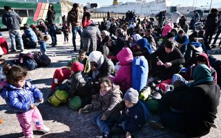 Η Χίος είναι ο πιο «δημοφιλής» προορισμός για τους πρόσφυγες και μετανάστες που καταφθάνουν από την Τουρκία. Από τη Μεγάλη Παρασκευή έως και χθες έφτασαν 107 άτομα.
