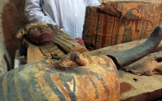 aigyptos-exi-moymies-anakalyfthikan-se-faraoniko-tafo-konta-sto-loyxor-2185736