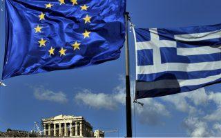 Είναι πλέον επείγον η Ελλάδα και οι εταίροι της να σκεφθούν σοβαρά επί ενός νέου πλαισίου που θα έβαζε τέλος στο σημερινό παίγνιο μηδενικού αθροίσματος, διασφαλίζοντας όμως παράλληλα τη βιωσιμότητα του χρέους.