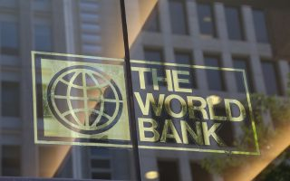 H Παγκόσμια Τράπεζα εξετάζει το αίτημα της ελληνικής κυβέρνησης για χορήγηση δανείου στο πλαίσιο της ευρύτερης δραστηριότητάς της στη χώρα.