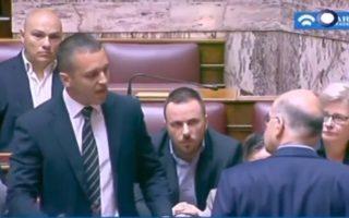 Υψηλοί τόνοι, ύβρεις και χειροδικίες επικράτησαν για ακόμη μία φορά χθες στη Βουλή, με πρωταγωνιστή τον βουλευτή της Χρυσής Αυγής Ηλία Κασιδιάρη.