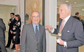 O Αριστείδης Αλαφούζος με τον θρυλικό διευθυντή της Washington Post, της «εποχής Watergate», Ben Bradlee.