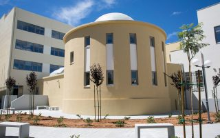 Τα αποκατεστημένα Λουτρά Παλαντζιάν θα φιλοξενήσουν τα εργαστήρια και το μουσείο του καλλιτεχνικού σχολείου. Διακρίνονται οι δύο νέες πτέρυγες.