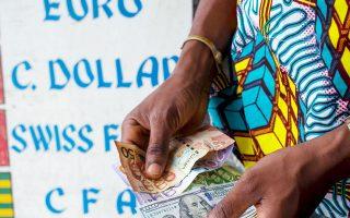 Εκτός Ν. Αφρικής και Νιγηρίας, οι κυβερνήσεις των υπόλοιπων χωρών δεν έχουν λάβει μέτρα για να δανείζονται σε δικό τους νόμισμα.