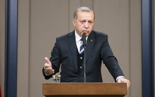 Ο Τούρκος πρόεδρος Ερντογάν κατά τη διάρκεια συνέντευξης Τύπου στις 12 Μαΐου στην Αγκυρα.