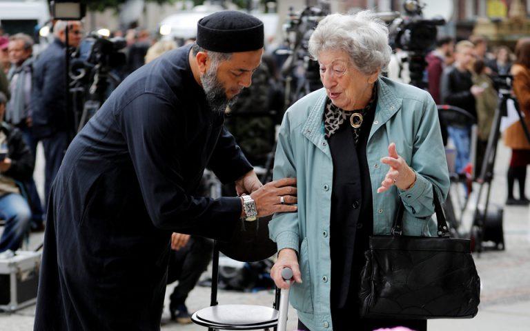 Μπούμερανγκ για την Τερέζα Μέι η τρομοκρατία