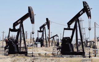 Στη Νέα Υόρκη, η τιμή του αργού πετρελαίου υποχώρησε στα 48,75 δολάρια, με πτώση άνω του 5%, και η τιμή του Brent στο Λονδίνο διαμορφώθηκε στα 51,41 δολάρια, με απώλειες 4,71%.