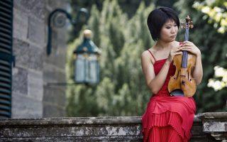 Η διεθνούς φήμης Κινέζα βιολονίστα Τιάνγουα Γιανγκ συμπράττει με την ΚΟΑ.