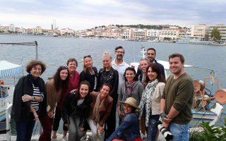 Η Περιφέρεια Βορείου Αιγαίου φιλοξένησε 10 «διαμορφωτές γνώμης» από την Ολλανδία από τις 18 έως τις 22 Μαΐου. Συμμετείχαν τρεις εκπρόσωποι της πλατφόρμας τουριστικών αξιολογήσεων Zoover και επτά δημοφιλείς Ολλανδοί bloggers. Στόχος ήταν να ανατραπεί η εικόνα της Λέσβου ως προσφυγικού νησιού.