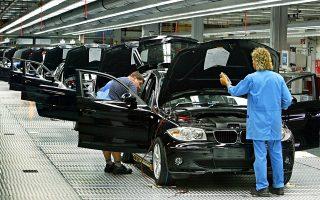 Οι εξελίξεις επιβαρύνουν έτι περαιτέρω την BMW. Αξίζει να αναφερθεί ότι το πρώτο τρίμηνο του 2017 η γερμανική αυτοκινητοβιομηχανία είδε τα κέρδη της να μειώνονται.