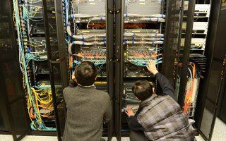 Υπολογιστές σε όλο τον κόσμο «γονάτισαν» προσωρινά από την κυβερνοεπίθεση.